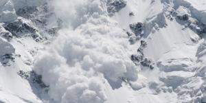 İsviçre Alpleri'nde bir kayak merkezinde çığ düştü