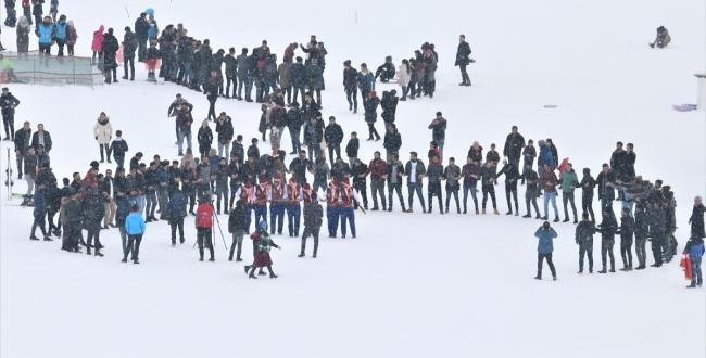 """Van'da 2. Geleneksel Kayak Festivali"""" yapıldı"""