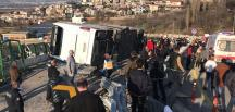 Uludağ yolunda Kaza yaralanan 41 öğrenci ve 4 öğretmen, hastanelere götürüldü