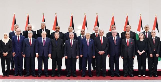 Filistin Devlet Başkanı Abbas'ın huzurunda Yeni Kabine  yemin etti