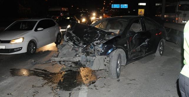 Kocaeli'nin Gebze ilçesinde otomobil Kazası