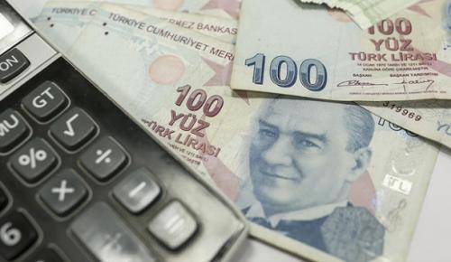 """Hazine ve Maliye Bakanı Albayrak, """"Başvurular bu yılın ilk çeyreğinde bir önceki çeyreğe göre 3'te 2 oranında düştü"""