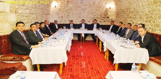 Ak Parti Şanlıurfa il teşkilatı ve 13 ilçe teşkilatı seçim Değerlendirme Toplantısı Yaptılar
