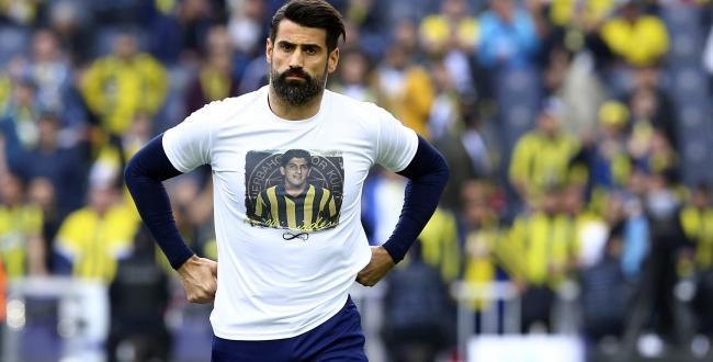 Fenerbahçe'de kaleci Volkan Demirel, 13 yıl sonra yedek kulübesinde oturdu