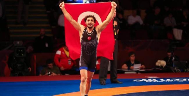 67 kilo grekoromen stilde Atakan Yüksel altın madalya kazandı