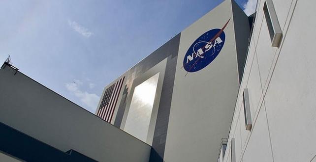 ABD Havacılık ve Uzay Ajansı NASA, 2024 yılına kadar Ay yüzeyine bir kadın astronot çıkaracak