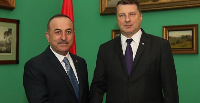 Bakan Çavuşoğlu, Letonya temasları çerçevesinde Cumhurbaşkanı Vejonis ile bir araya geldi