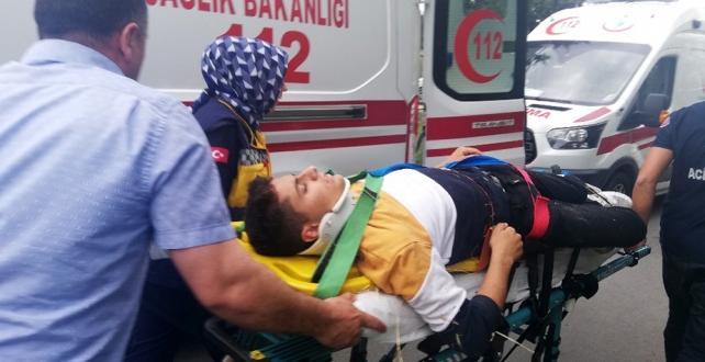 İstanbul'da drift yapmak isteyen bir kişi Yaptığı kazada ,Büyükçekmece'deki olayda evlerine dönmekte olan 7 öğrenci yaralandı