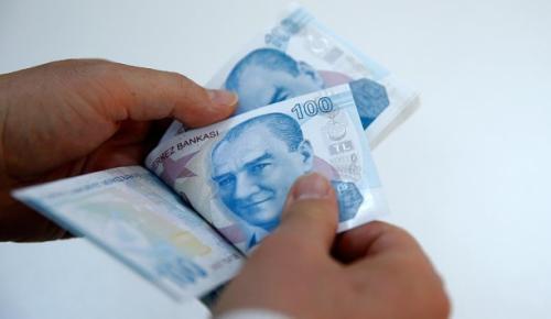 """Amasya'da yolda gördüğü bir kişiye, """"Beni tanımadın mı? Kaza yaptım, acil para lazım 2 bin lirası aldı"""