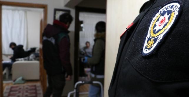 Bursa'da 2 bin polisin katılımıyla 50 adrese eş zamanlı operasyon yapıldı