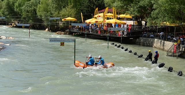 Tunceli `de R4 Dünya Rafting Şampiyonası, slalom yarışlarıyla tamamlandı