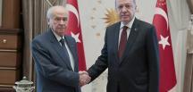 Cumhurbaşkanı Erdoğan, Bahçeli Cumhurbaşkanlığı Külliyesi'nde bir görüşme gerçekleştirdi