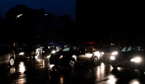 Elektrik kesintisi, 5 Latin Amerika ülkesinde günlük hayatı durdurdu