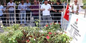 Ömer Halisdemir'in mezarında, direnişin 3'üncü yılında ziyaretçi yoğunluğu yaşanıyor