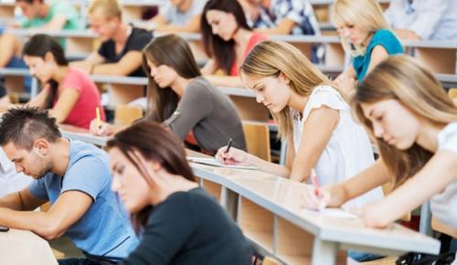 Kamu Personeli Seçme Sınavı (KPSS) Alan Bilgisi sabah oturumu sona erdi