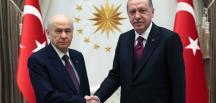 Cumhurbaşkanı Recep Tayyip Erdoğan, MHP Genel Başkanı Bahçeli'yi evinde ziyaret etti