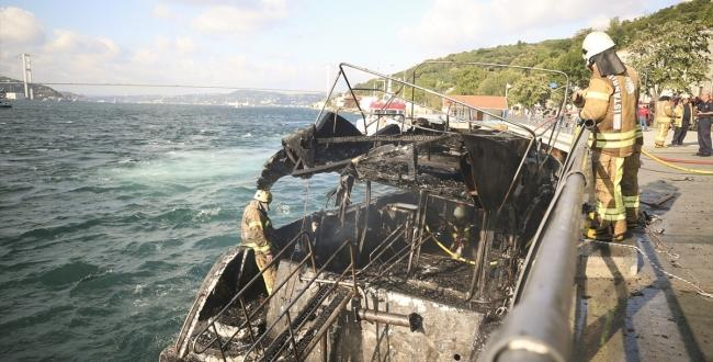 İstanbul Boğazı'nda bir yatta çıkan yangın söndürüldü