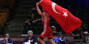 Dünya Gençler Güreş Şampiyonası grekoromen stil 60 kiloda Kerem Kamal, altın madalya aldı