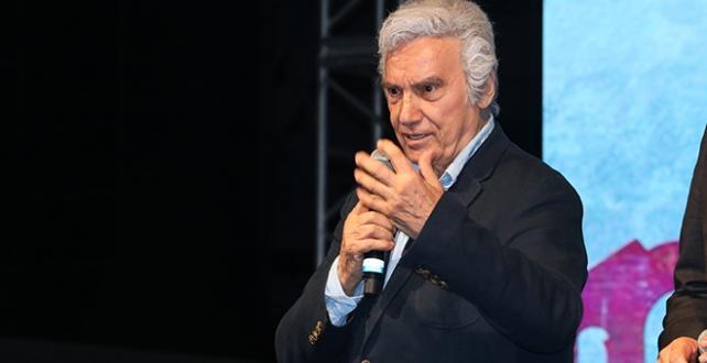 Ünlü sinema oyuncusu Turan, İstanbul Kadıköy'deki evinde hayatını kaybetti