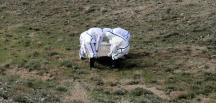 Afganistan `da ölen bir kişiyi dağ başında gömüldüler