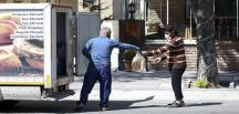 fırıncılar ekmekleri araçlarla mahallelere götürüp satış yaptı