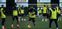Fenerbahçe'de dolarlı sözleşmeler de tarihe karışacak