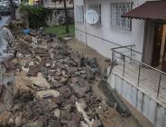 Ankara'da sağanaktan  bazı ev ve iş yerlerini su bastı