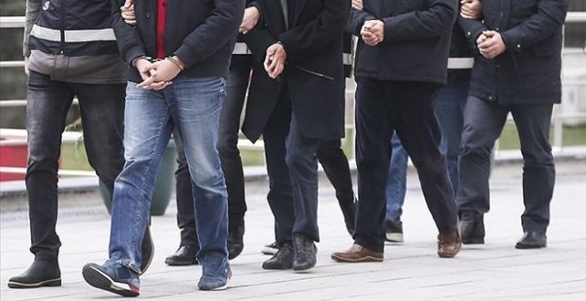 İzmir'de uyuşturucu çetesi çökertildi