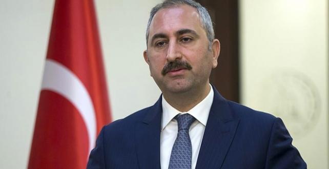 Abdulhamit Gül, gündeme ilişkin soruları cevaplıyor.