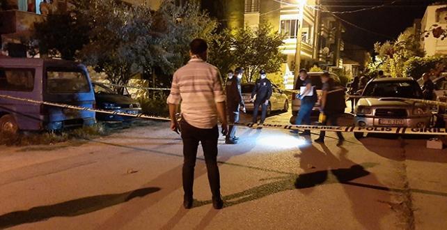 silahlı bıçaklı kavgada 1'i polis 3 kişi yaralandı