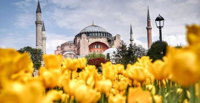 Ayasofya Camii 86 yıl aradan sonra 24 Temmuz'da Kuran-ı Kerim tilaveti ile ibadete açılacak