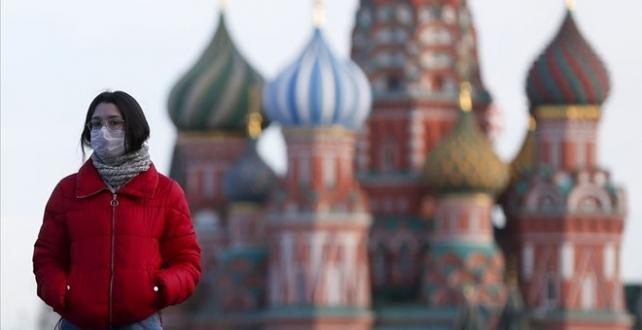 Rusya'da COVİD-19 vakası sayısı 818 bini geçti