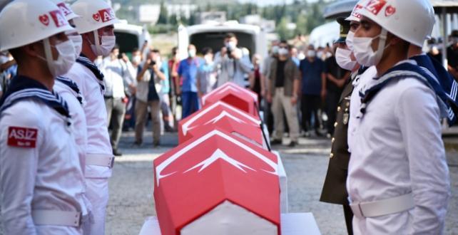 Mersin'de şehit olan 4 asker için tören düzenlendi