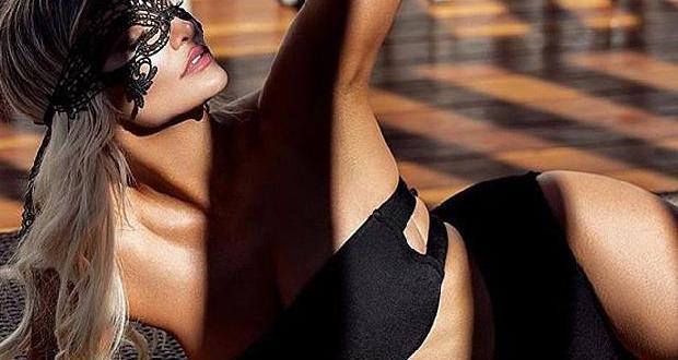 Eski Playboy modeli Lindsey Pelas, Instagram'da yine adından söz ettirdi.