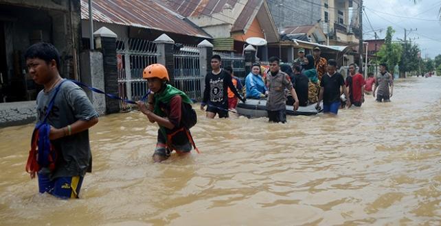 Endonezya'da selden dolayı 1 kişi öldü