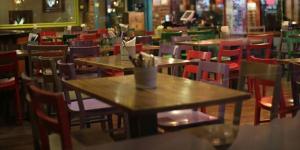İzmir'in Çeşme ilçesinde tedbirlere uymayanlara ceza yağdı