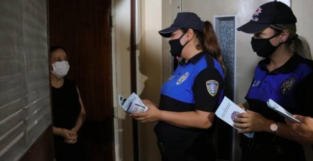 """Adana'da polis """"Komşunu Kolla"""" projesini tanıttı"""