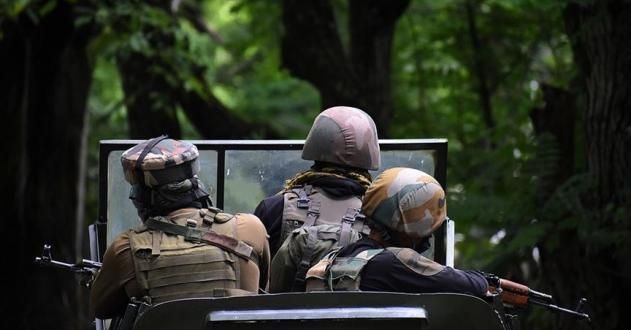Keşmir'de Hint askerlerinin açtığı ateş sonucu bir kız çocuğu öldü
