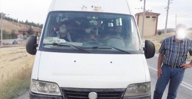 13 kişilik servis aracından 20 kişi çıktı, şoföre ceza kesildi