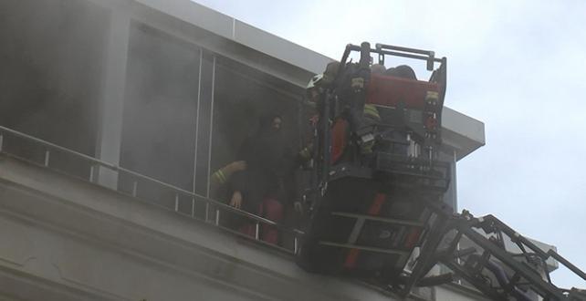 İstanbul'da patlayan çamaşır makinesi yangın çıkardı