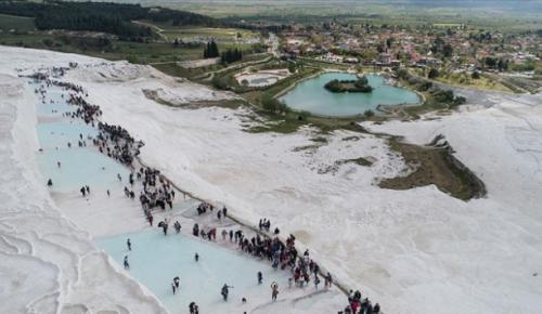 Tarihi mekanları bu yaz 3 milyon kişi ziyaret etti