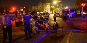 Adana'da otomobil ile midibüs çarpıştı: 2 ölü, 4 yaralı