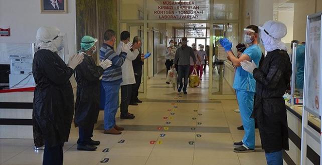 Türkiye'de iyileşenlerin sayısı 285 bin 50'ye yükseldi