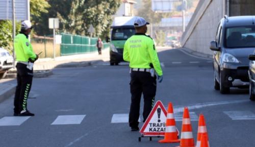 Alkol denetimlerinde 2 bin sürücü belgesine el konuldu