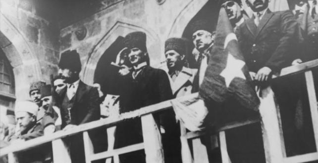 Yeni bir devrin kapılarını açan Cumhuriyet 97 yaşında