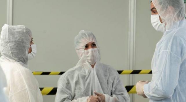 İsviçre'de COVID-19 salgınında günlük vaka rekoru kırıldı