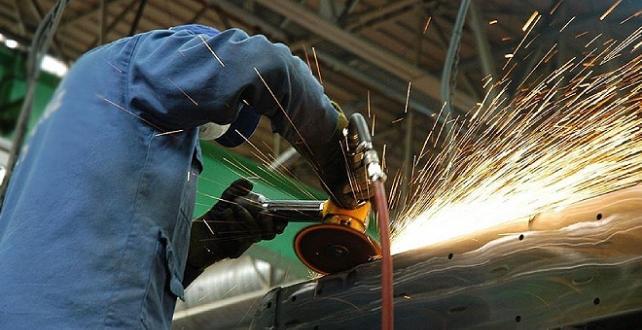 Euro Bölgesi'nde sanayi üretimi düştü