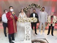 Aydemir Akbaş'ın oyuncu olarak yetiştirdiği Özgür Aksoy'un Nikahına Ünlüler akın etti.